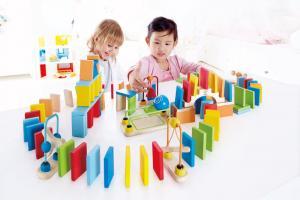 Domino di legno Hape toys